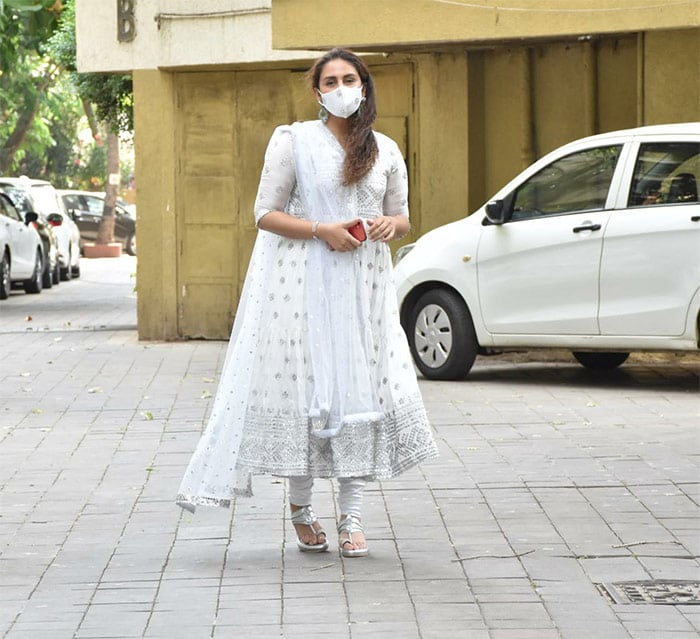 Huma Qureshi looked stunning in white traditional dress as she was pictured in Juhu.