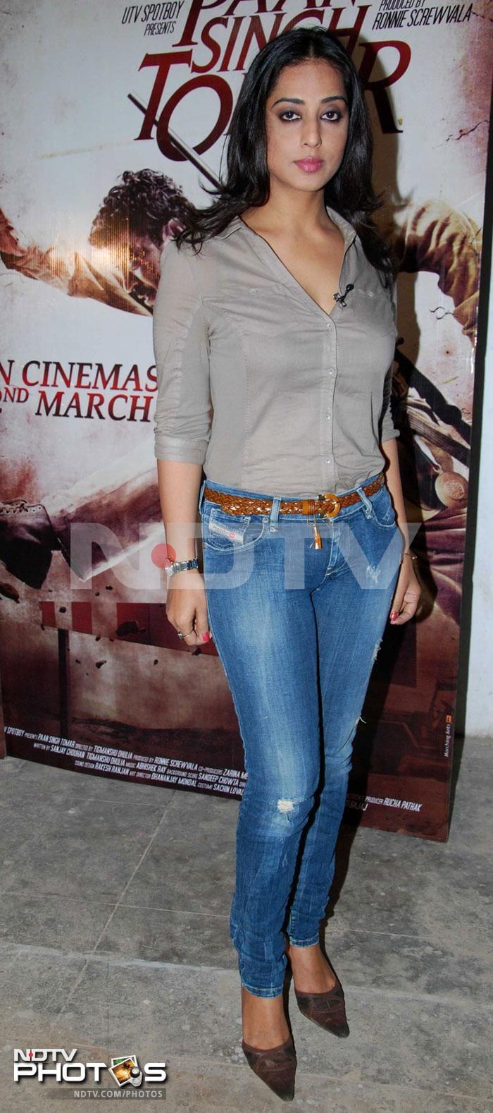 Mahie Gill promotes Paan Singh Tomar
