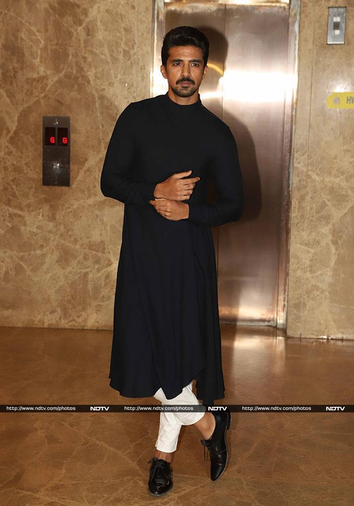 Salman Khan And Shilpa Shetty Lead Celeb Roll Call At Ramesh Taurani\'s Diwali Party