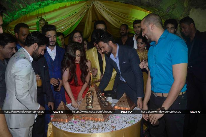 Inside Sana Khan\'s Birthday Party