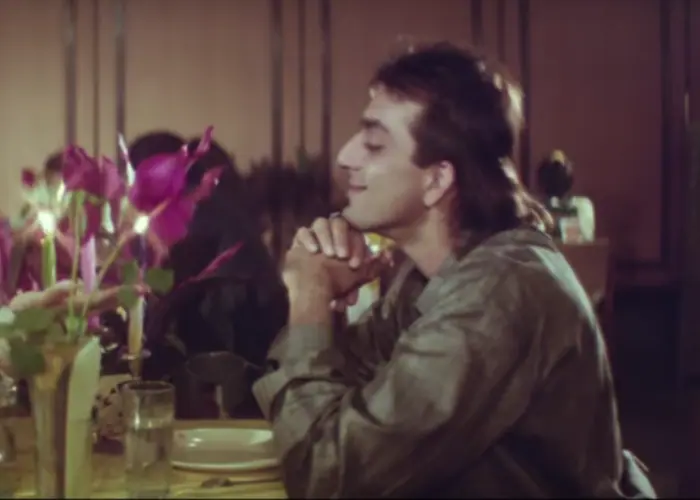 Sanjay swapped his action hero roles for that of poet in Saajan (1991), opposite Madhuri Dixit and Salman Khan. The role earned him his first Filmfare Award nomination in the Best Actor category.