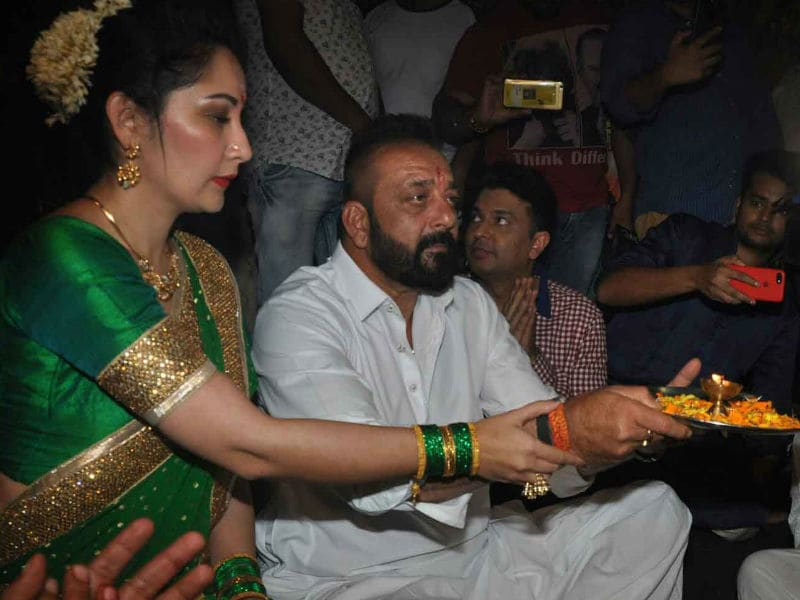 Ganesh Chaturthi 2017: Sanjay Dutt, Maanyata Celebrate With Team Bhoomi