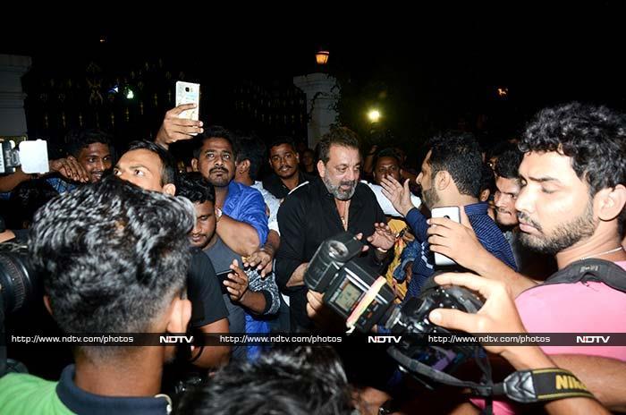 संजय दत्त की बर्थ डे पार्टी की खास तस्वीरें...