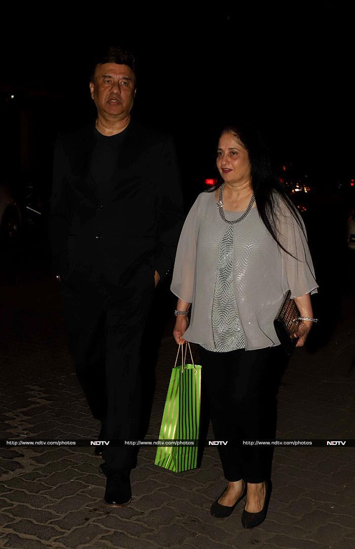 संजय खान का बर्थडे सेलिब्रेट करने पहुंचे ऋतिक रोशन