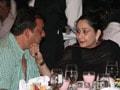 Photo : Sanjay's night-out with wife Manyata