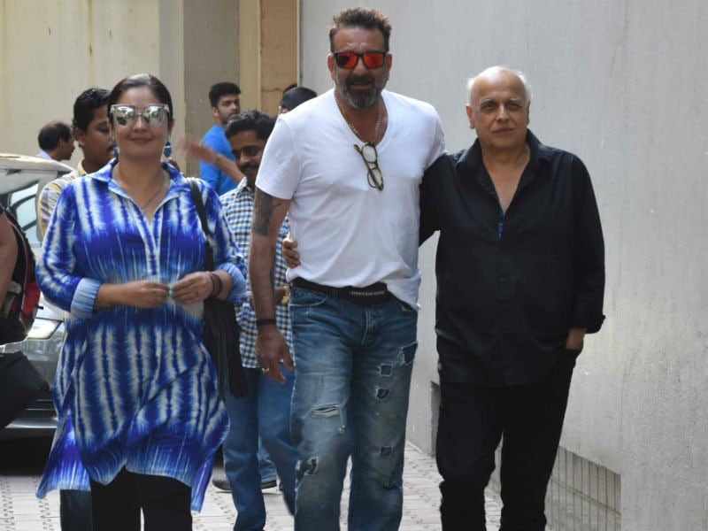 When Sadak Co-Stars Sanjay Dutt And Pooja Bhatt Met