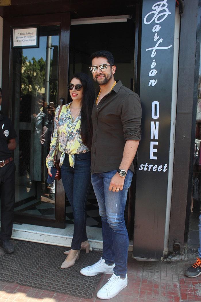 Sara And Ibrahim\'s Movie Date With Mom Amrita Singh