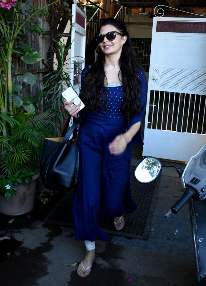Sara Ali Khan, Jacqueline Fernandez\'s Summer Day Outing