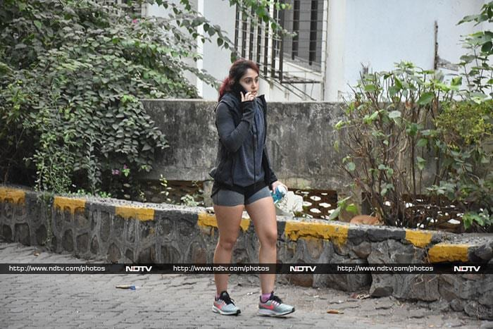 मुंबई: इस अंदाज़ में नज़र आईं सारा, जाह्नवी और मलाइका