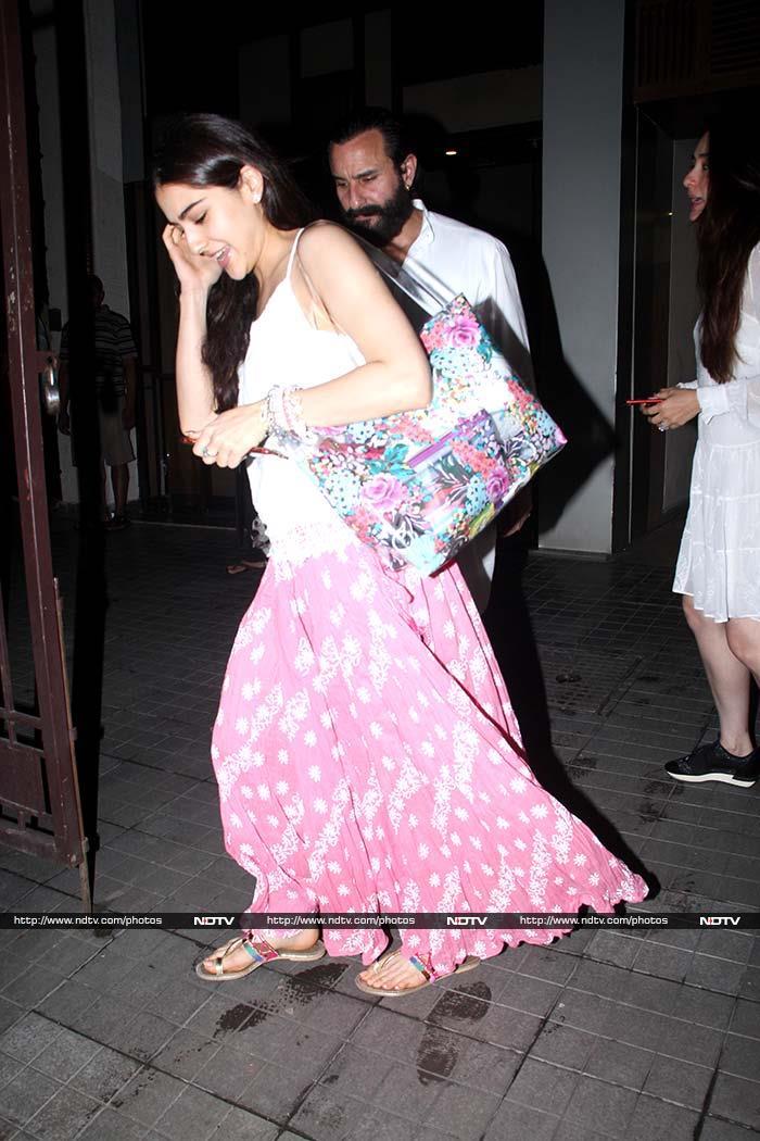 करीना कपूर और सैफ अली खान के साथ डिनर पार्टी पर नजर आईं सारा अली खान