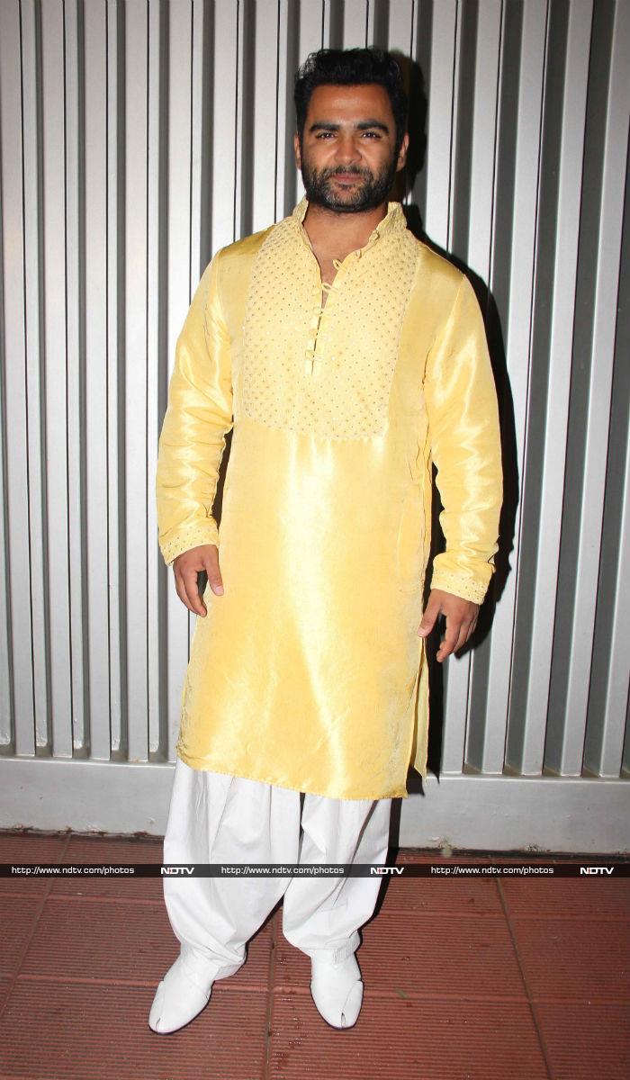 Shah Rukh Khan\'s Double Diwali Soiree