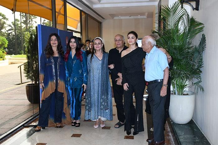 शाहीन भट्ट की बुक लॉन्च, इवेंट में शामिल हुईं आलिया, पूजा, सोनी राजदान