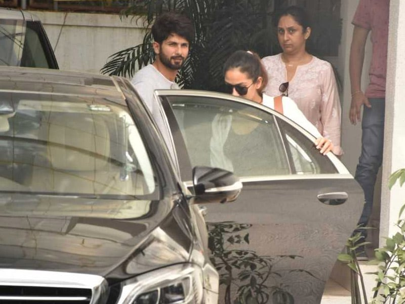Shahid And Mira, Twinning In White, Step Out In Style