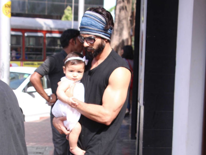 Shahid Kapoor's Outing With Cute Little Misha And Wife Mira
