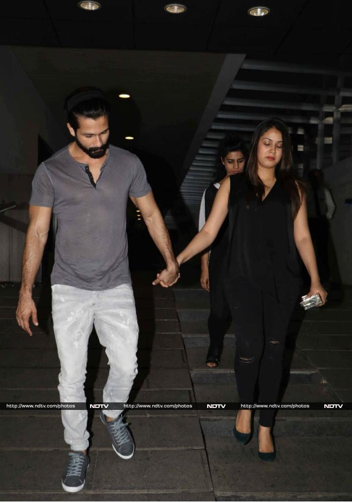 Shahid Kapoor, Mira Rajput Go For A Dinner Date. Hand In Hand