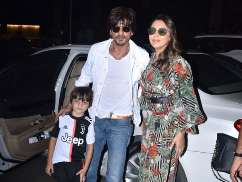 Shah Rukh Khan, Gauri And AbRam Attend Aaradhya's Birthday Party