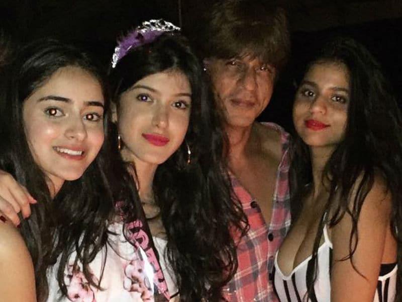 20 Rocking Inside Pics From SRK's Alibaug Bash