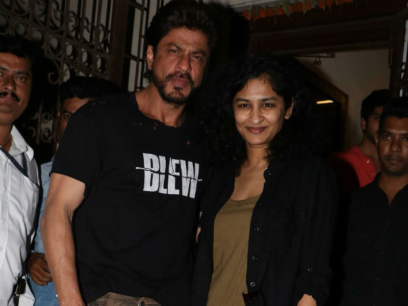 Shah Rukh Khan Dines With Dear Zindagi Director Gauri Shinde