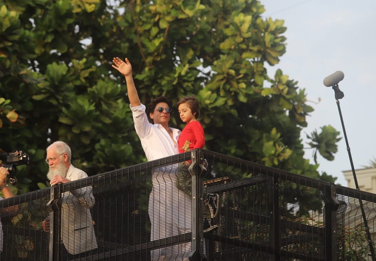 Shah Rukh Khan, AbRam And Salman Khan Wish Fans On Eid
