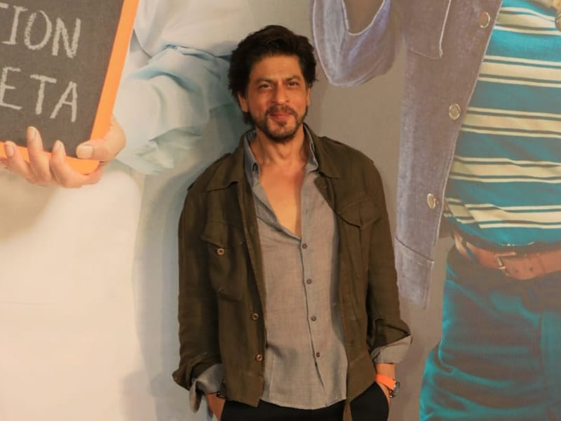 Shah Rukh Khan And His Million-Dollar Smile At The Screening Of Kaamyaab. See Pics