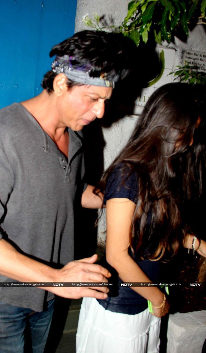 ...जब सुहाना के साथ लेट नाइट डिनर पर निकले शाहरुख खान
