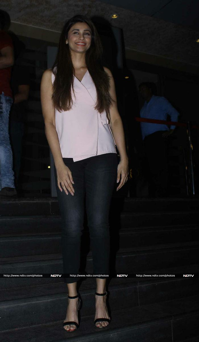 जब 'ट्यूबलाइट' से मिलने पहुंचे शाहरुख-सुहाना...