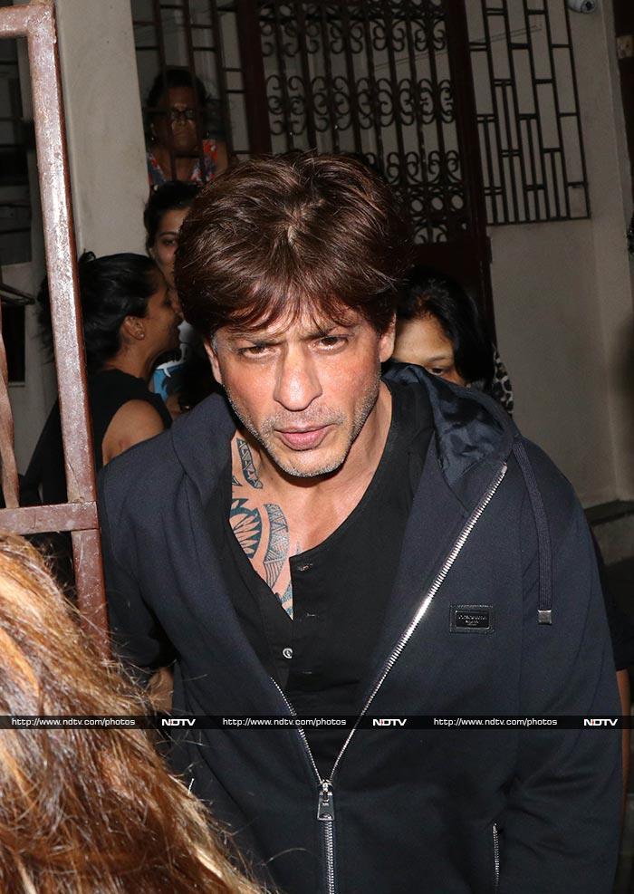 आखिर क्यों शाहरुख खान छुपा रहे हैं अपना टैटू?