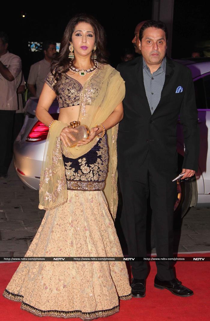 Rajinikanth, Big B, Thackerays Attend Shatrughan Sinha\'s Son\'s Reception