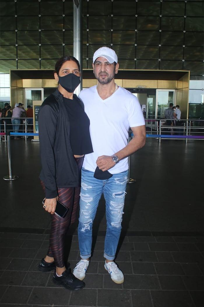 Shilpa, Disha, Ananya\'s Airport Tales