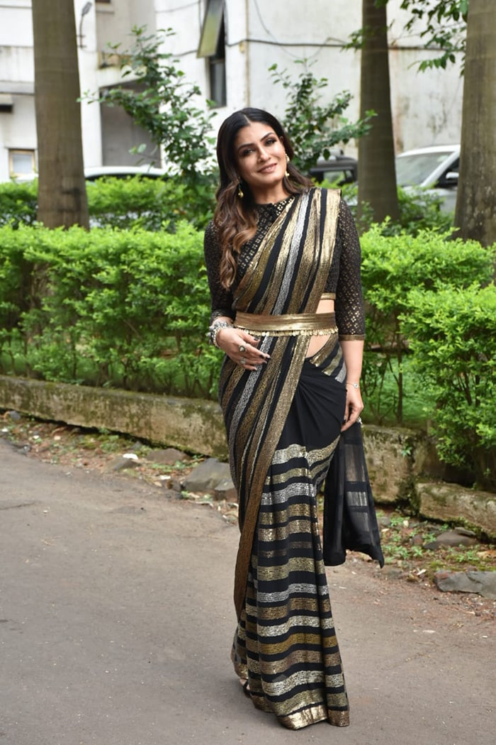 Shilpa Shetty And Raveena Tandon Raise The Style Quotient On Super Dancer 4 Set