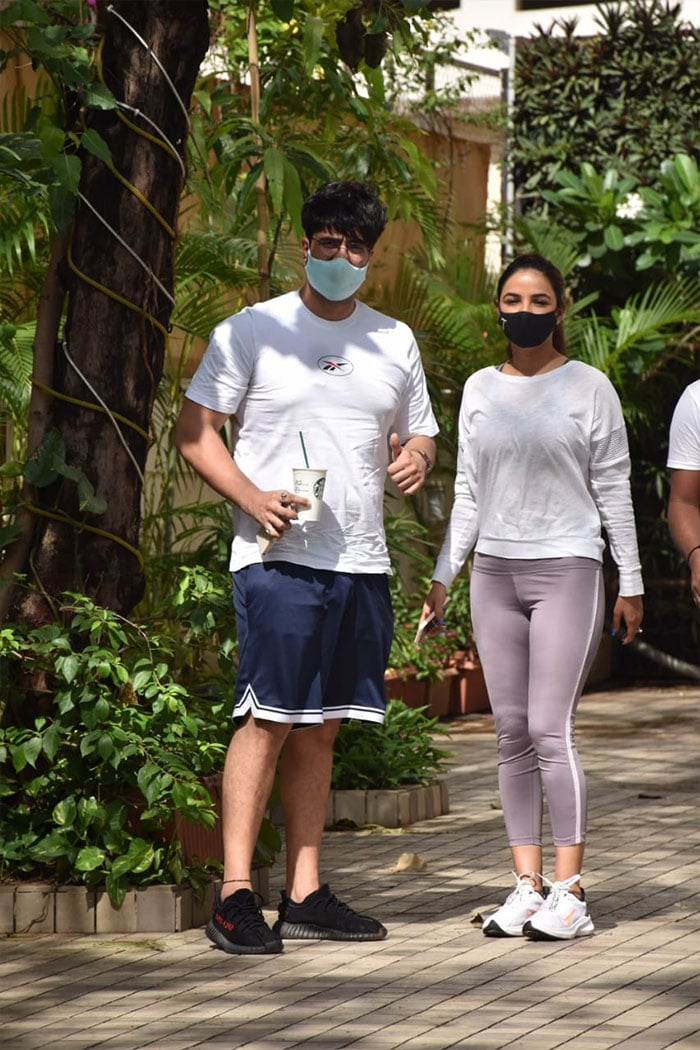 Lovebirds Jasmin Bhasin and Aly Goni were pictured in Andheri.