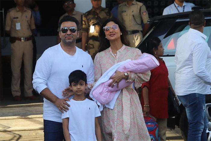 बेटी समीशा को पहली बार घर लाए शिल्पा शेट्टी और राज कुंद्रा