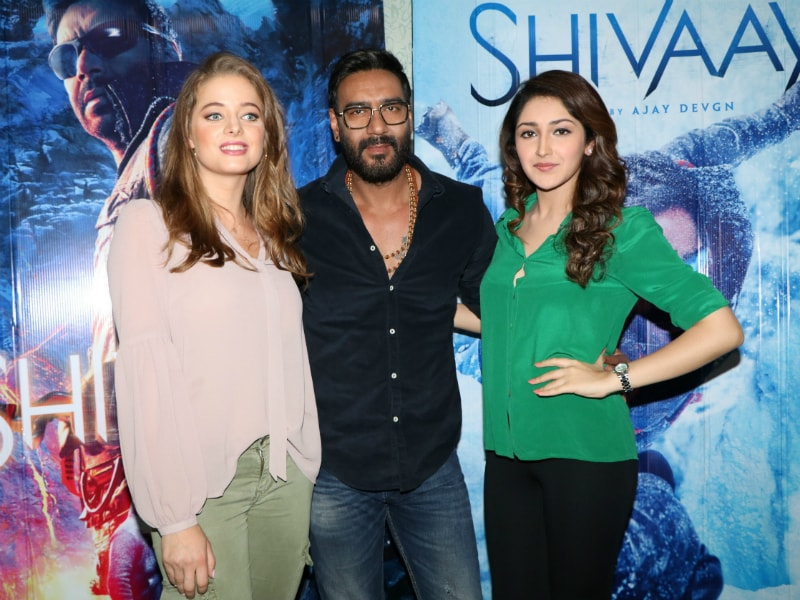 Ajay Devgn's Shivaay Outing With Sayyeshaa And Erika