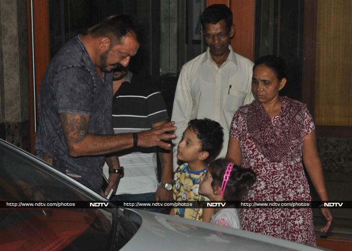 Sanjay Dutt Just Can\'t Get Enough of Shahraan, Iqra
