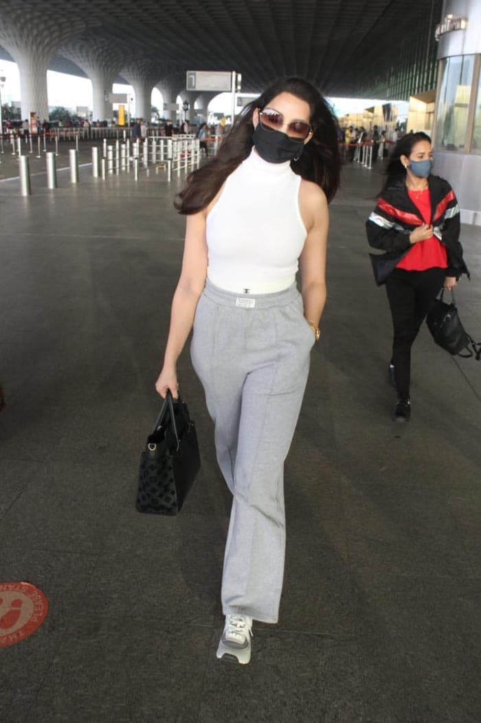The Girl On The Plane: Parineeti\'s Airport Style - Also, Shraddha And Nora
