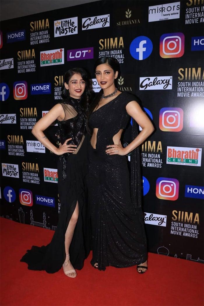 Shruti-Akshara, Pooja Hegde Are Red Carpet Queens