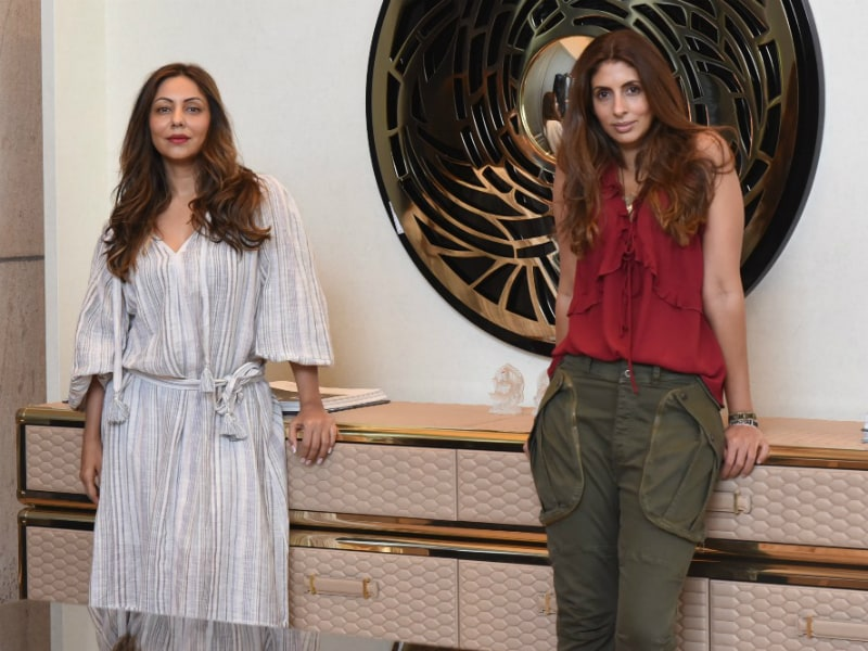 Shweta Bachchan Chills At Gauri Khan's Store