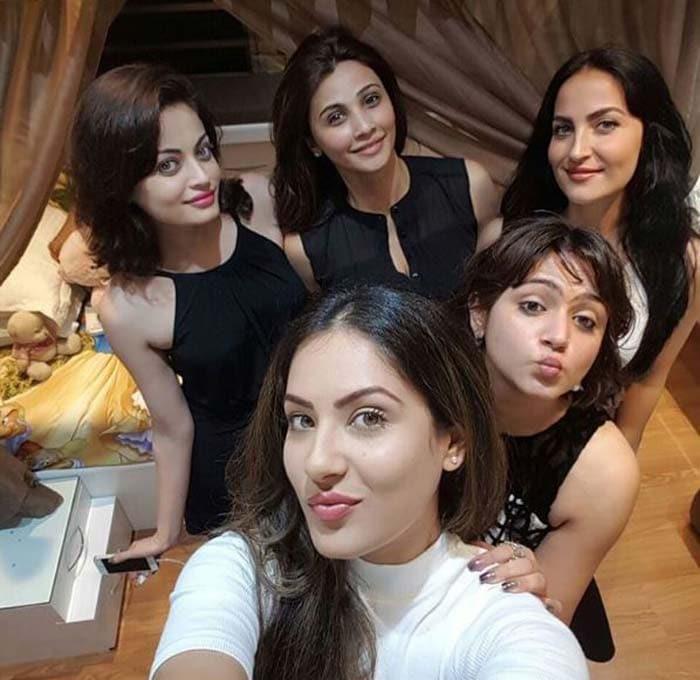 Inside Salman Khan\'s Sister Shweta Rohira\'s Birthday Party