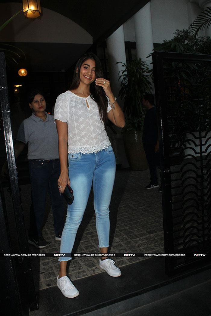 Shweta Bachchan Nanda Parties With Zoya Akhtar And Other Friends