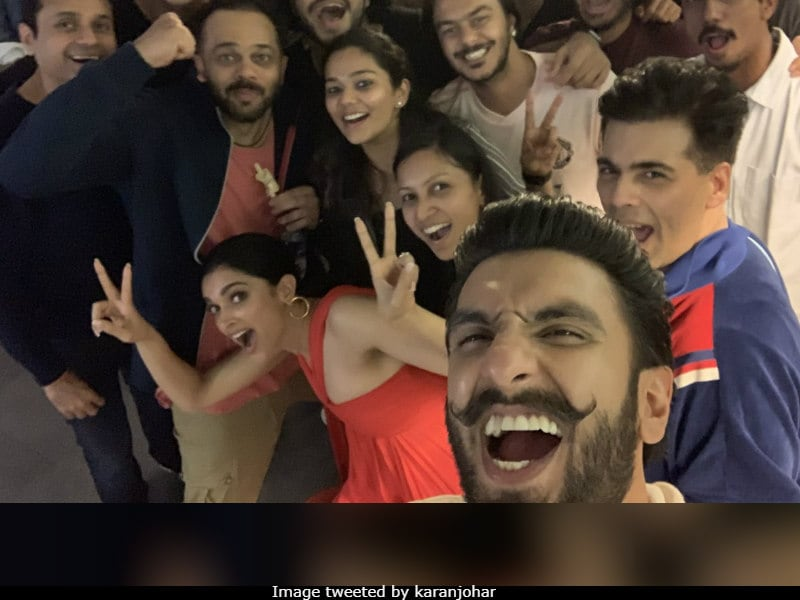 Deepika Watched Simmba With Ranveer Singh And The Bhavnanis