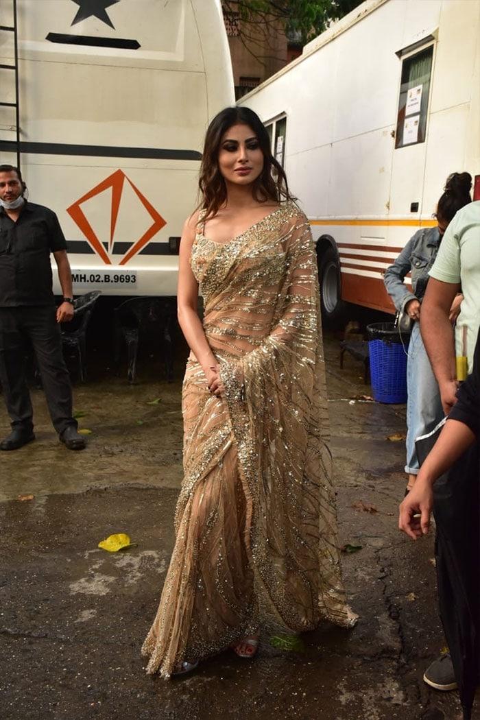 Sneak Peek Into Dance Deewane Madhuri Dixit And Mouni Roy\'s Lives