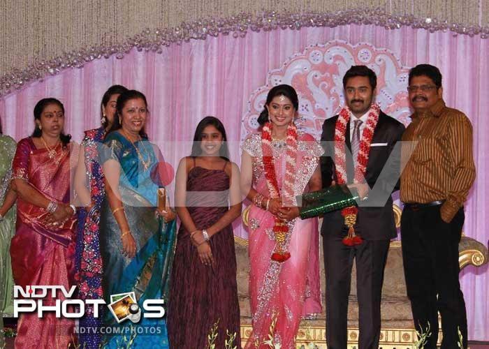 Suriya, Karunanidhi at Sneha-Prasanna\'s reception