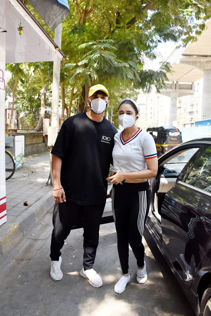 In another part of the city, celebrity couple Prince Narula and Yuvika Chaudhary were photographed in Andheri.