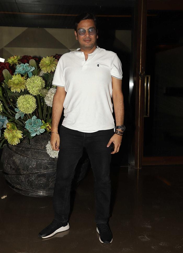 Sonakshi Sinha, Ayushmann Khurrana Join Jackky Bhagnani\'s Cheer Squad