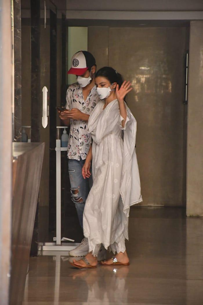 Celebrity couple Soha Ali Khan and Kunal Kemmu were on Tuesday spotted in Bandra.