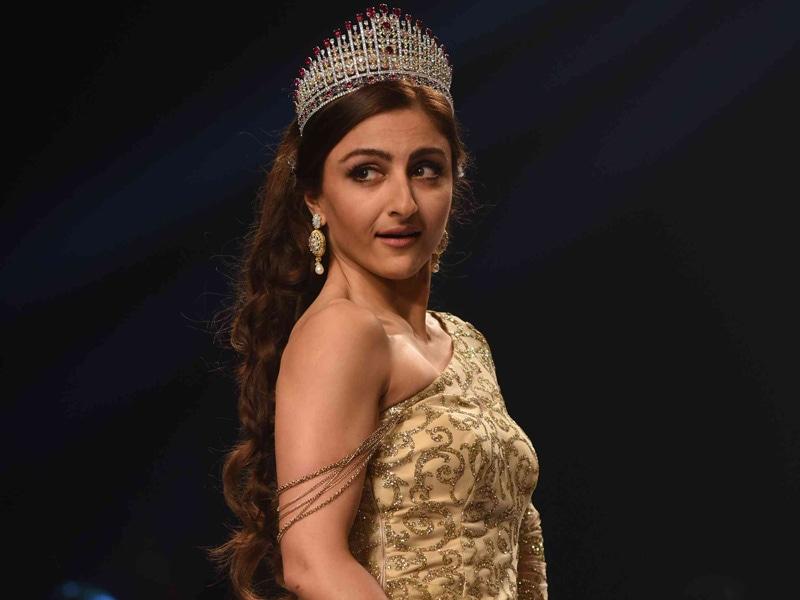 Soha Ali Khan's Crowning Glory on the Ramp