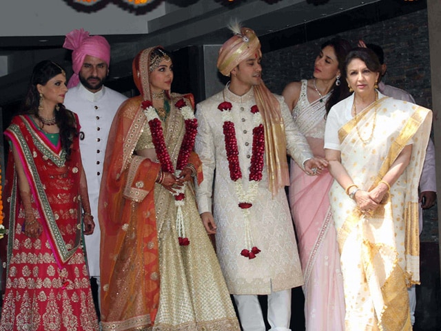 Kodak Moment: Saif, Kareena, Sharmila Celebrate Soha's Wedding