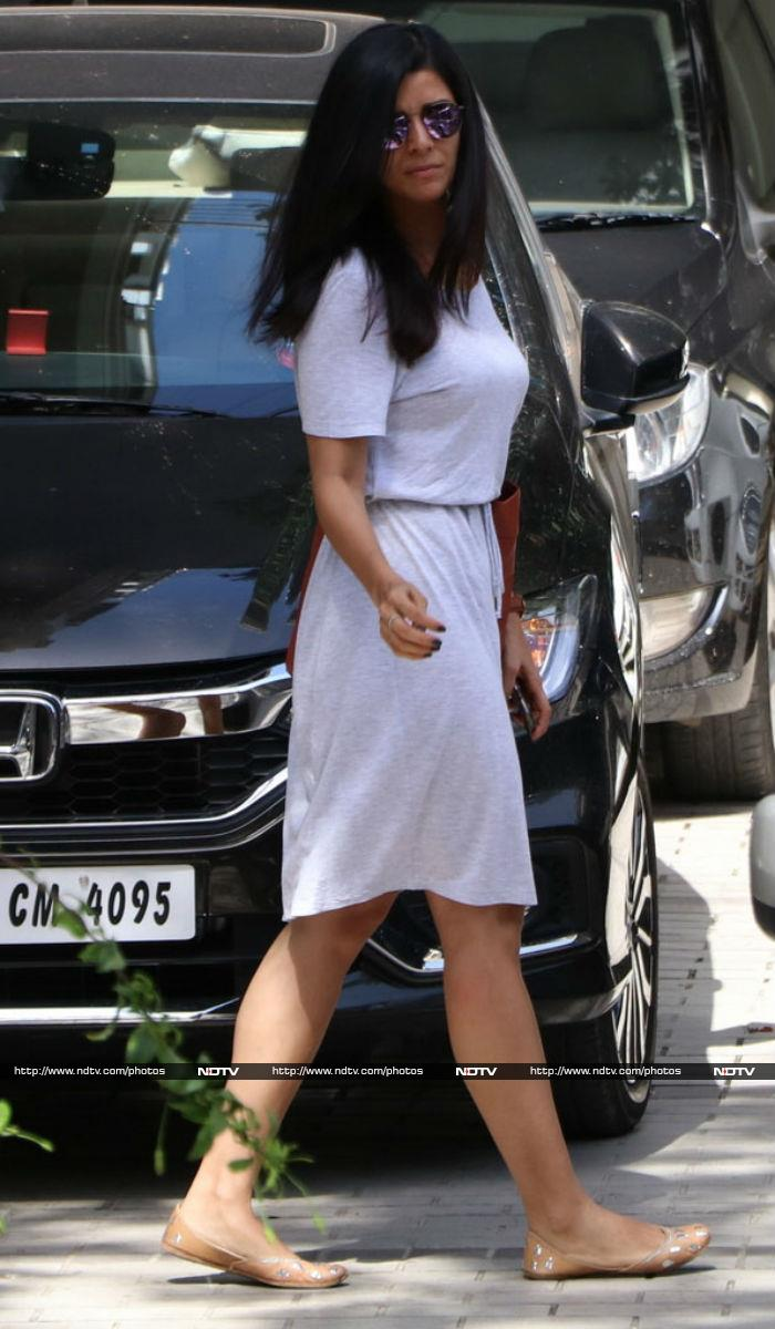 Sonam Kapoor\'s Lunch Date With Cousin Anshula