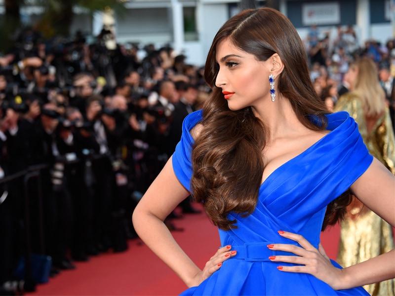 Cannes 2015: Sonam Kapoor Stunning Shades of Blue
