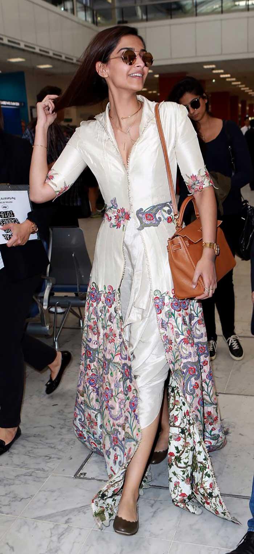 Cannes Airport Spotting: Sonam Kapoor, So Chic